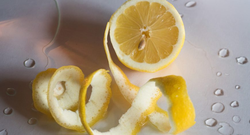 قشر الليمون يحتوي فيتامين سي !